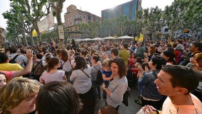 Manifestació defensa escola catala mataro